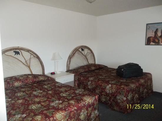 Big Bear Motel: Bedroom