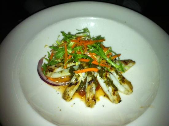 Wildfire Steakhouse North York : Grilled calamari, delicious!