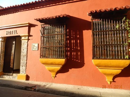 Hotel Puertas de Cartagena: Frente do Hotel