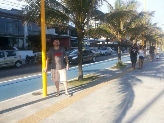 Cavaleiros Beach: calçadão