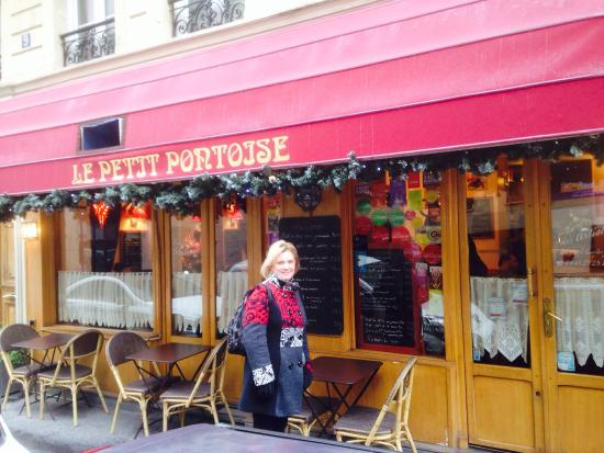 Le Petit Pontoise: Lucky find for lunch today. Turned out to be a very nice restaurant