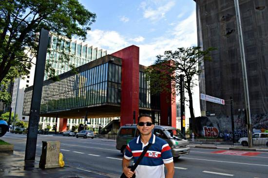 Hotel Stela: Dá pra ir a pé do hotel até o MASP na Av. Paulista