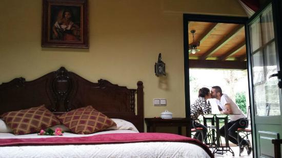 Os Miguelinos: habitacion y patio