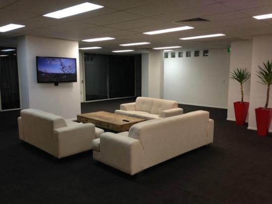 down under furniture. Down Under Hostels Surfers Paradise: Communal Lounge Furniture
