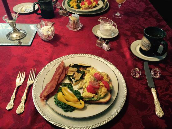 The Ivy House Bed and Breakfast : Wonderful breakfast!