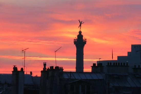 Hotel Turenne Le Marais: View from my window of sunrise