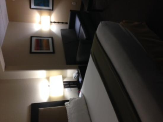 Holiday Inn Express & Suites Jacksonville Airport: bedroom