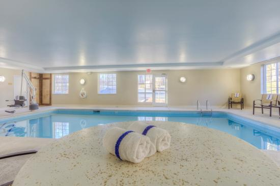 Candlewood Suites Mooresville: Candlewood Suites Indoor Heated Swimming Pool