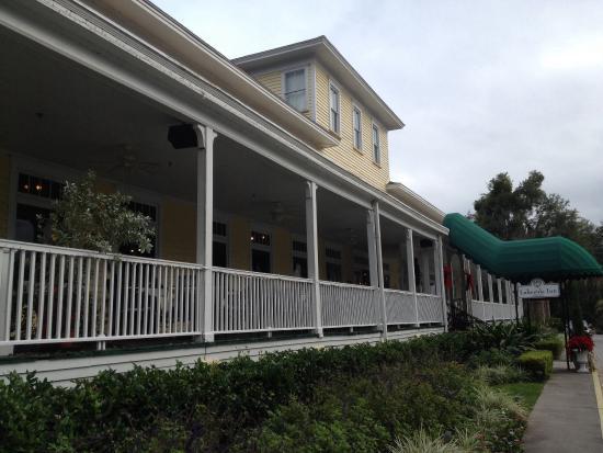 Lakeside Inn: Stairs