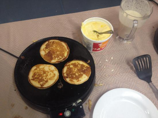 Flinders Backpackers: Free pancake everyday!!!! ��