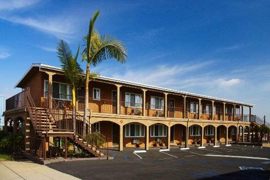 Hi View Inn & Suites: exterior