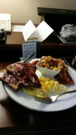 Sonesta Gwinnett Place Atlanta: Room Service Breakfast