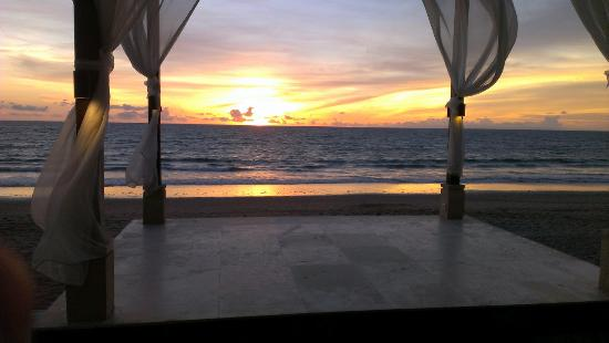 The Seminyak Beach Resort & Spa : The perfect Sunset Seminyak Bali