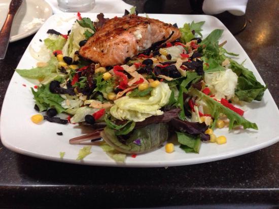 Water Street Oyster Bar and Sushi Bar: BBQ Salmon Salad