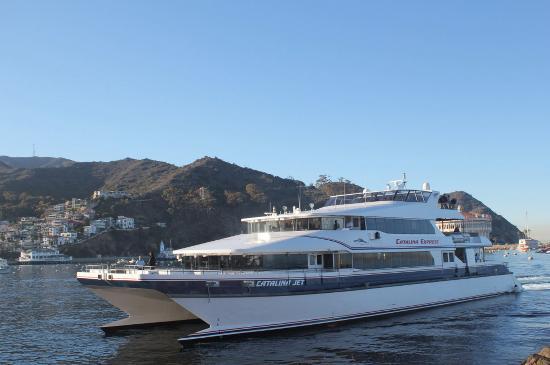 Snug Harbor Inn: the express boat