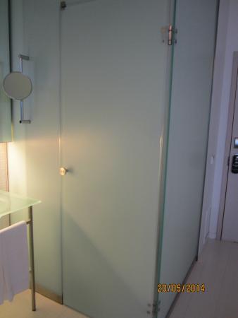 Bathroom Compartment Picture Of Hotel Porta Fira LHospitalet De - Bathroom compartment