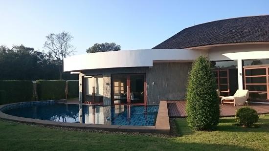 Azaya Villas : pool