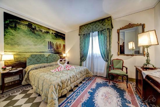 Hotel Portici Arezzo, Tuscany: Camera Verde