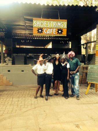 Shoestrings Cafe