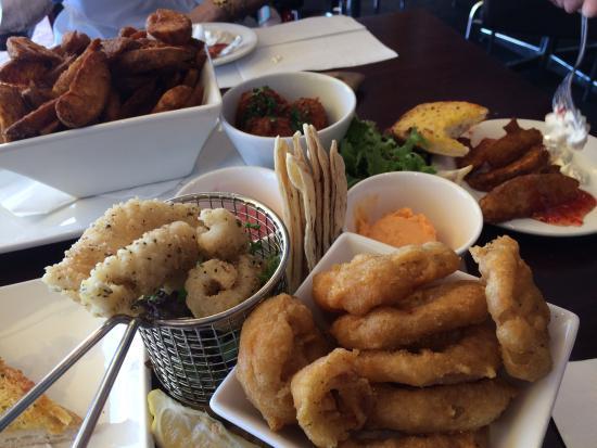 Sailmaster Tavern: Cheap as chips!
