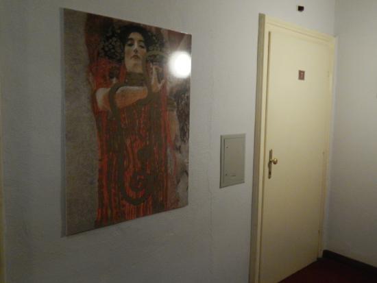 هوتل فورست مترنيخ: Door to our room