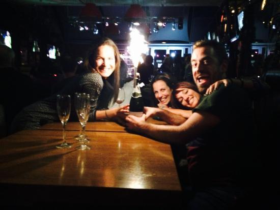 Happy Rock Bar&Grill: Rockanroleando
