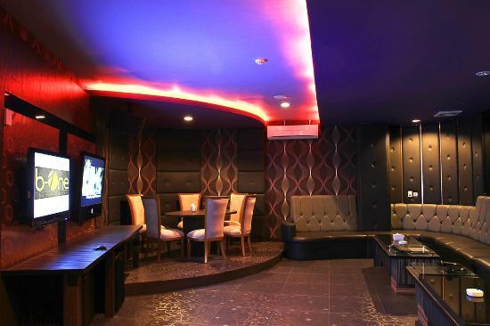 Swiss-Belhotel Maleosan Manado: Karaoke Room
