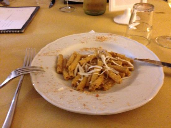 Cucina Garibaldi: アーモンドのパスタ