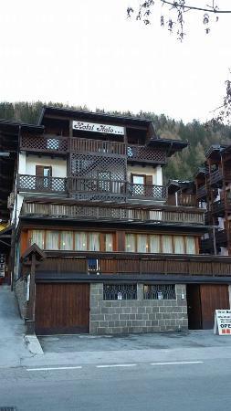 Hotel Italo: struttura esterna