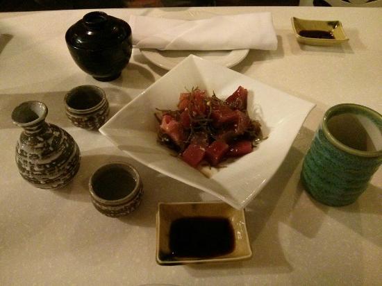 Wasabi Bistro: Poke, a typical local Tuna dish, very yum!