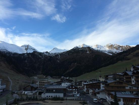 Hotel Alpenhof Hintertux: Blick auf den Hintertuxer Gletscher