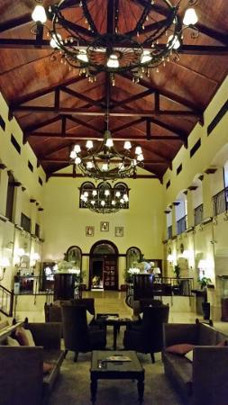 Arabian Ranches Golf Club Hotel: Hotel Lobby