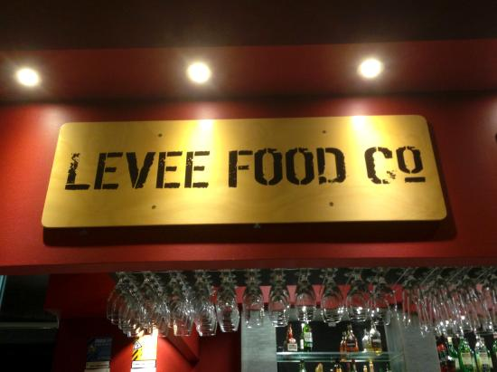 Levee Food Co.: Lovely warm spot on a cold Tassie night.
