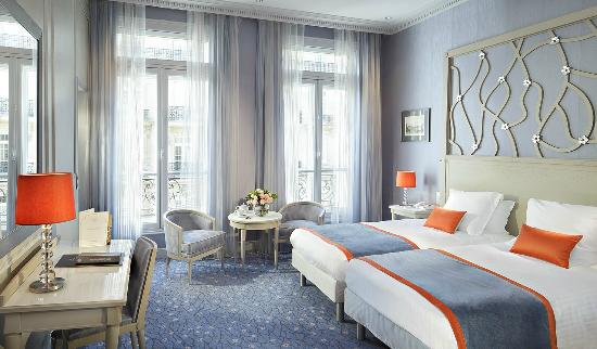 Chambre standard privil ge twin privilege room twin for Chateau hotel paris