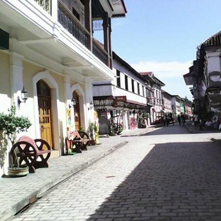 Ergo Vigan Hotel Crisologo Street City