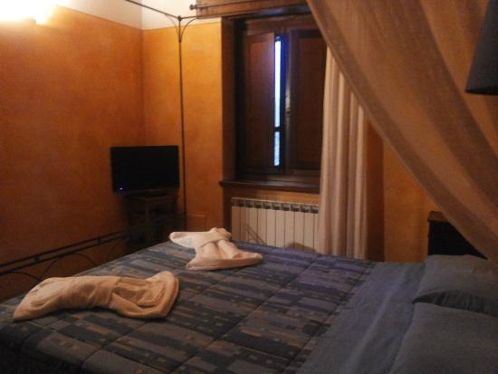 Agriturismo Casale nel Parco dei Monti Sibillini: camera