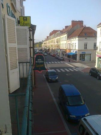 Hotel De La Cloche : View from 1st floor window one way