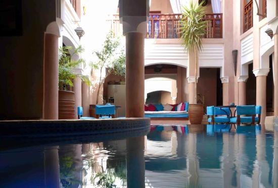 Riad Turquoise : vue piscine