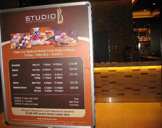 Studio B Show Kitchen Buffet Review