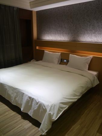 塔木德連鎖飯店 - 台南會館