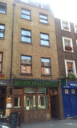 Seven Dials Hotel: voorkant hotel