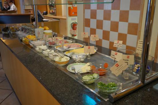 ibis Köln Frechen: breakfast