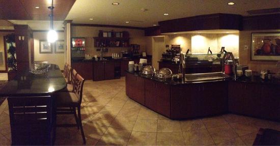 Staybridge Suites Eastchase Montgomery : Food area