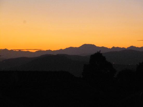 Hotel La Locanda: vue de la chambre - lever du soleil