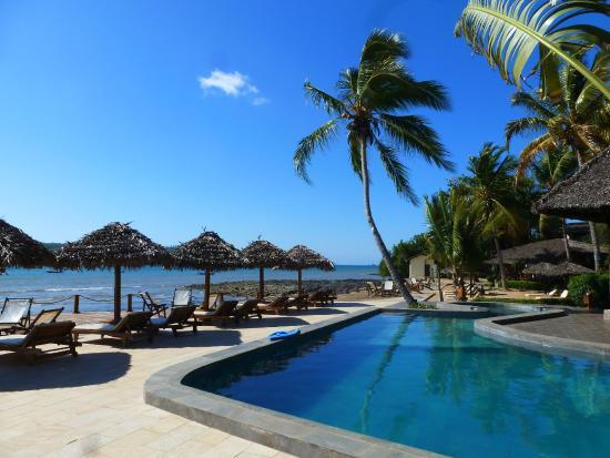 Le Jardin Hotel: piscina sulla spiaggia