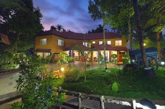 Karapuzha Village Resort