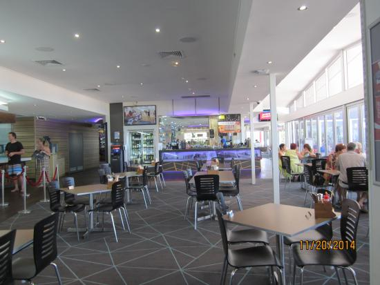 Coolum Surf Club: Lunch at the Surf Club