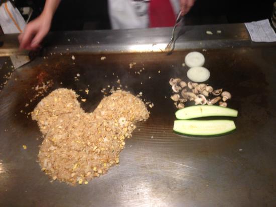 Hilton Orlando Lake Buena Vista: Benihana's Mickey