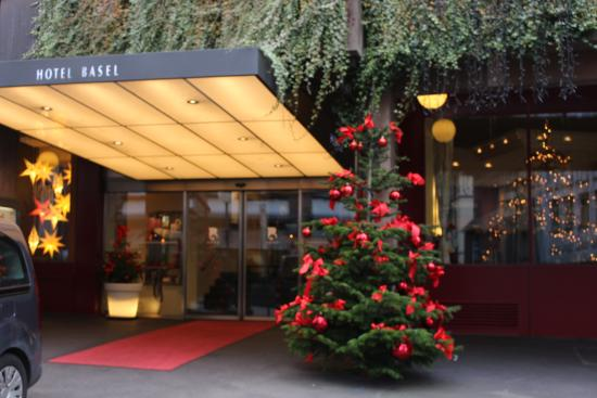 Hotel Basel : The hotel exterior