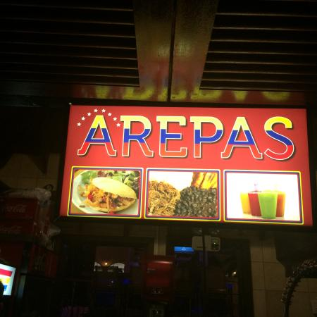 Sky Lounge: Arepas sign